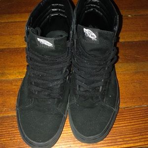 Black hightop men vans